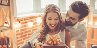 quà mùng 8 tháng 3 tặng cho vợ ý nghĩa nhất