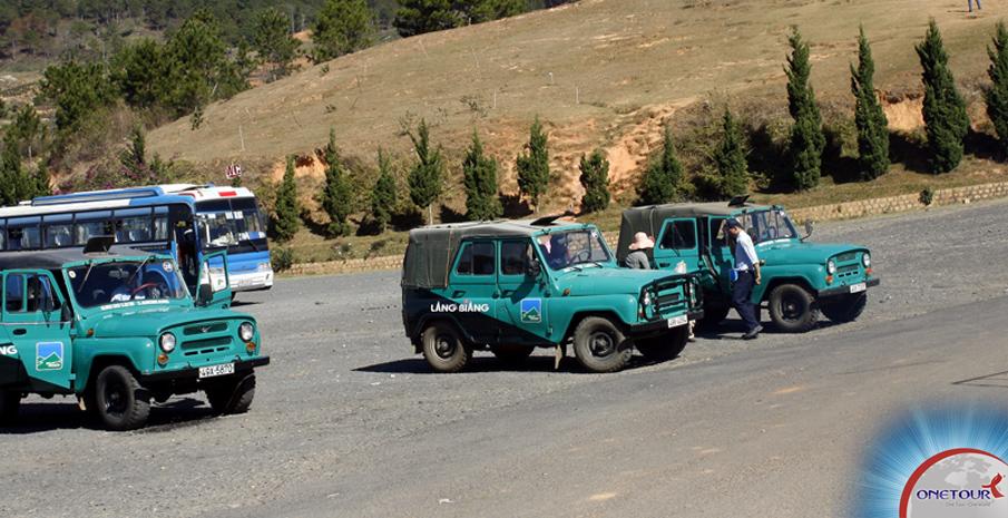 Một số phương tiện di chuyển ở làng Cù Lần - Đà Lạt