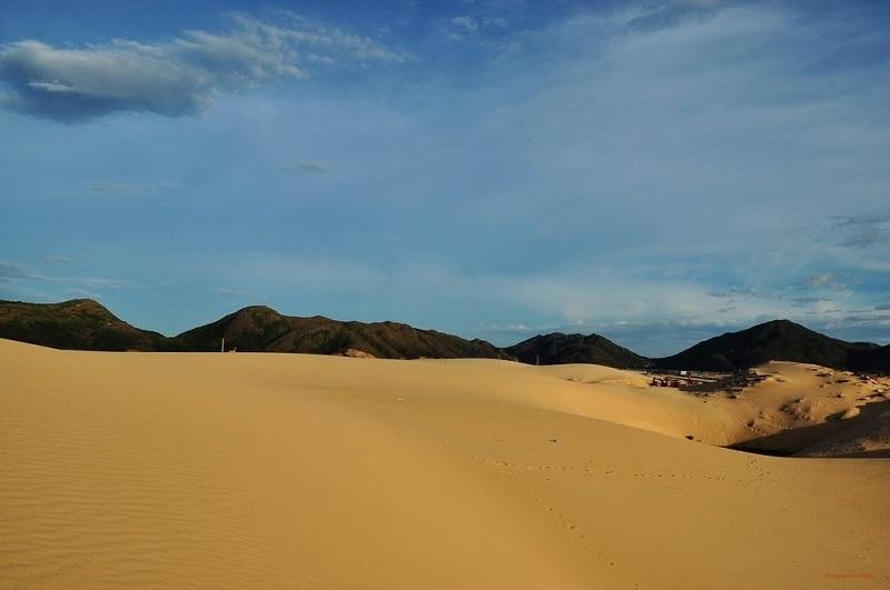 Tới đồi cát Phương Mai để trải nghiệm cảm giác mênh mông, vô tận