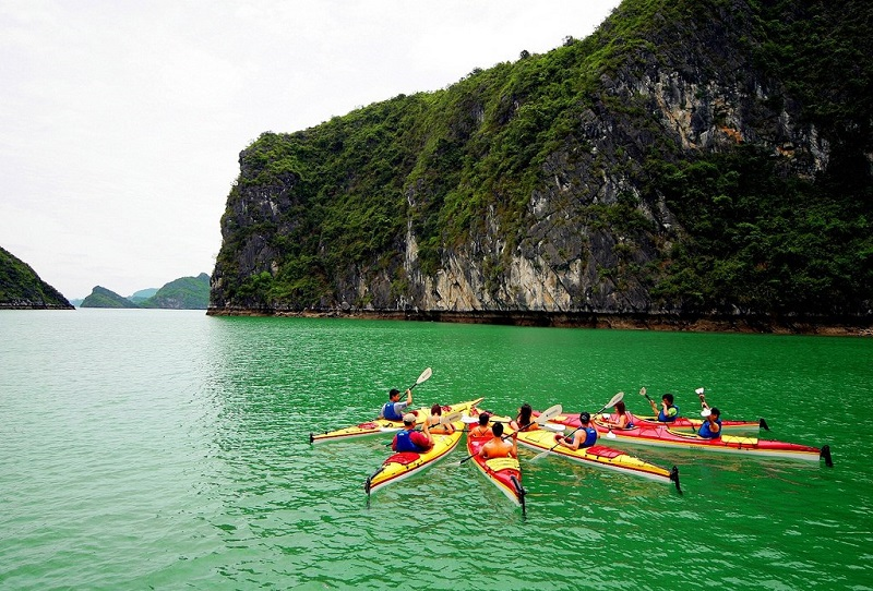 Trải nghiệm chèo thuyền Kayak đầy thú vị