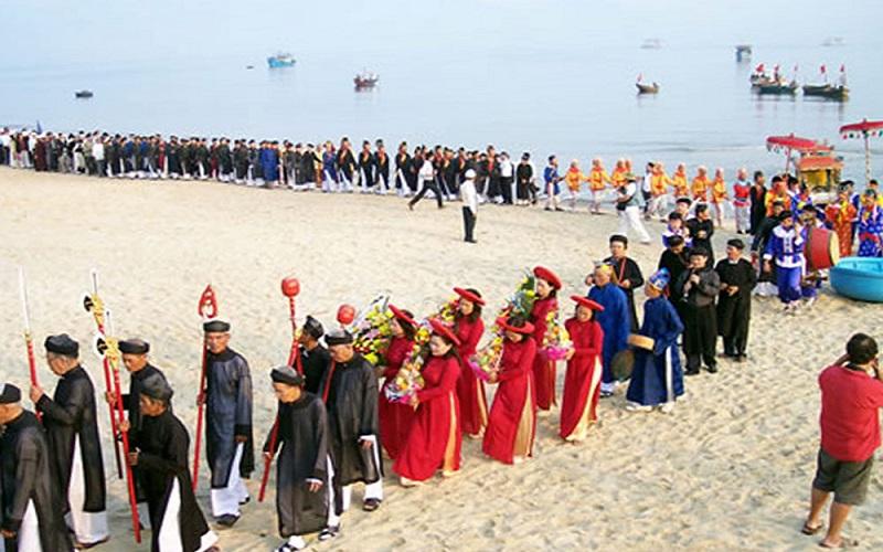 Lễ hội cúng cá Ông được tổ chức ở Quy Nhơn
