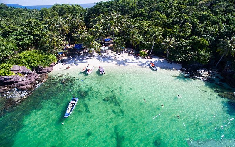 Hòn Móng Tay là một trong những hòn đảo có vẻ đẹp lãng mạn và thơ mộng nhất Phú Quốc