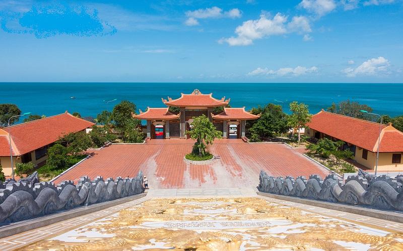 Thiền viện Trúc Lâm Hộ Quốc với khung cảnh say đắm lòng người