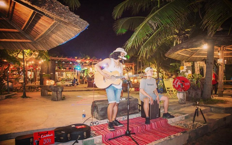 Sunset Beach Party - quán ba sang trọng tại đảo Phú Quốc