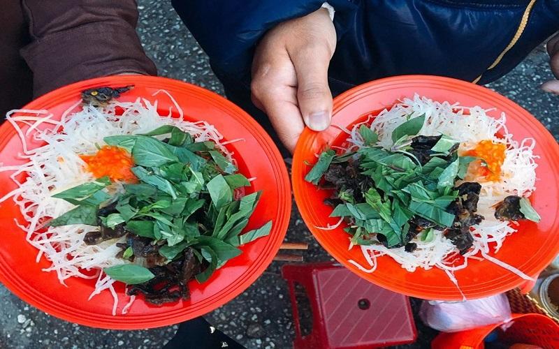 Xắp xắp là món ăn vặt rất phổ biến trong ẩm thực của Đà Lạt