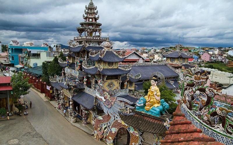 Chùa Linh Phước là địa điểm linh thiêng của người dân xứ Đà Lạt