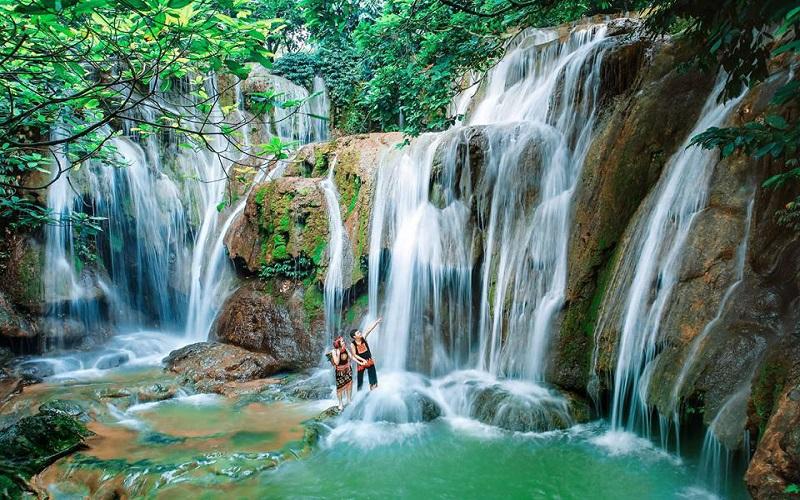 Thác Camly là một trong những ngọn thác nổi tiếng ở Đà Lạt