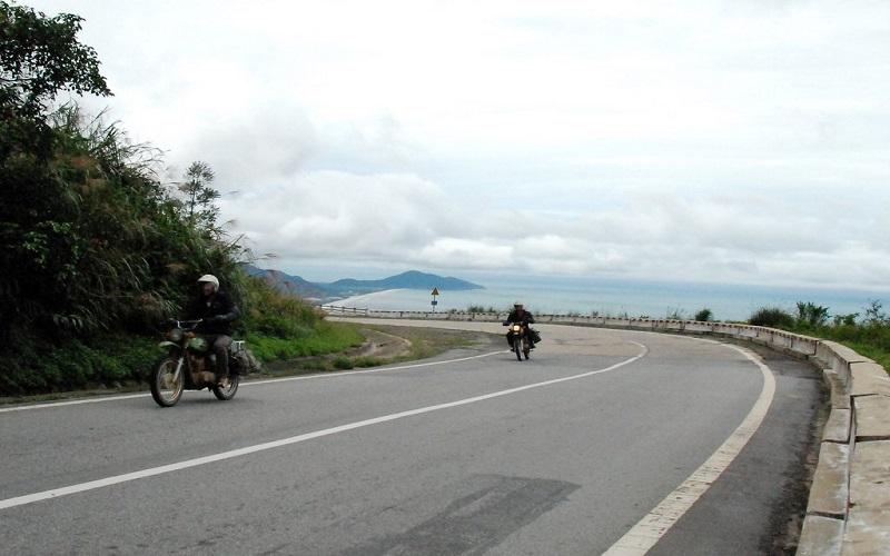Trải nghiệm du lịch Bà Nà Hills bằng xe máy