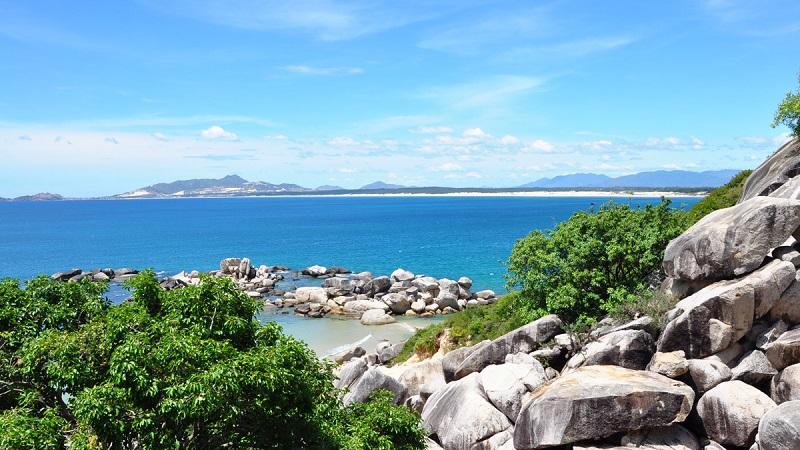 Bãi biển Trung Lương -bức tranh đại dương xanh vô cùng bắt mắt