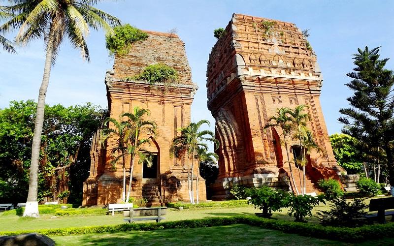 Tháp Đôi - nghệ thuật kiến trúc Chămpa cổ