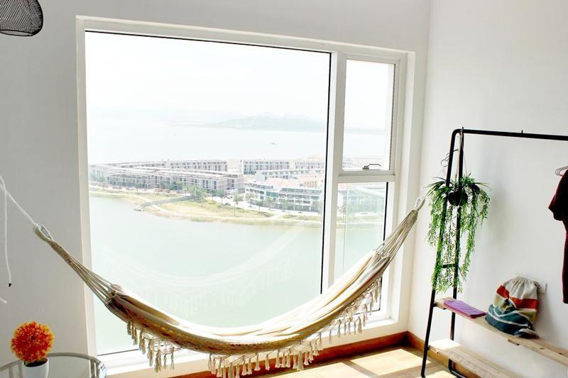 Từ Brika Homestay Hạ Long, Quảng Ninh có thể quan sát toàn bộ Vịnh Hạ Long