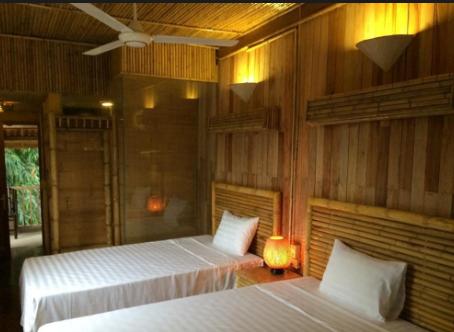 Phòng được bài trí đơn giản nhưng ấm cúng